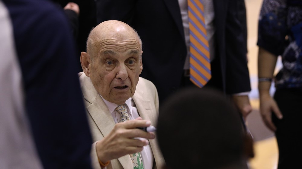 College basketball legend Rollie Massimino dies